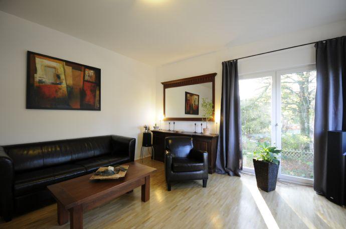 Individuelle, gemütliche, modernisierte Altbauwohnung mit schöner Einbauküche und viel Charme