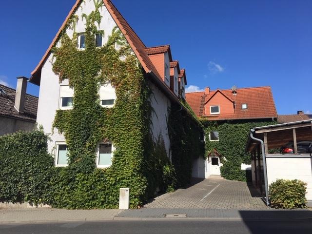 Außergewöhnliche 2 zueinander gehörenden Mehrfamilienhäuser mit ländlichem Charakter