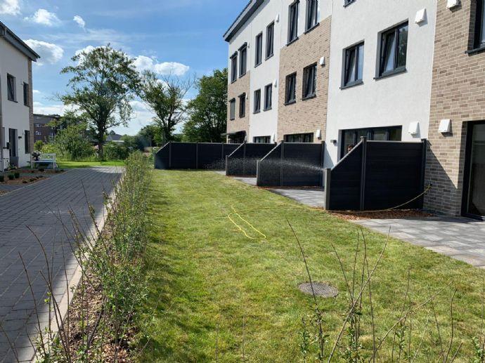 *Neubau-MRH mit ca. 25 m² Dachstudio für Wohnen mit Stil !!!*