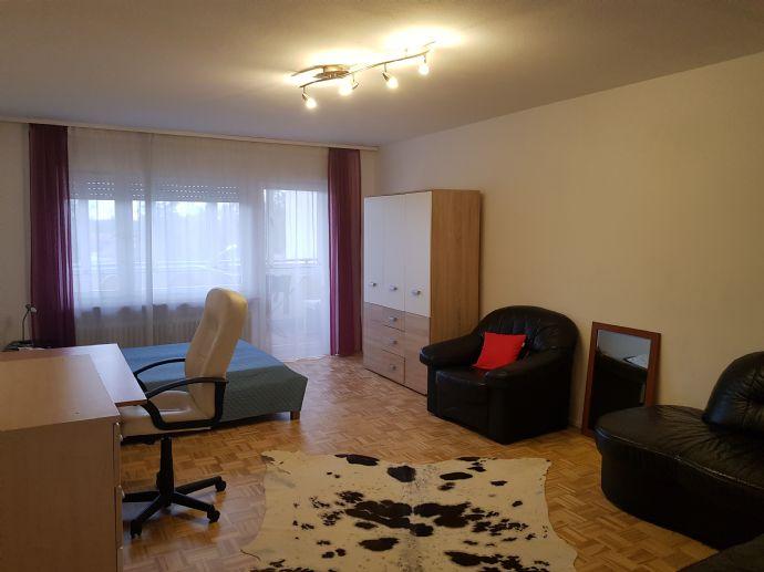 3,5-Zimmer-Whg. mit EBK und Balkon, möbliert, ideal als WG geeignet