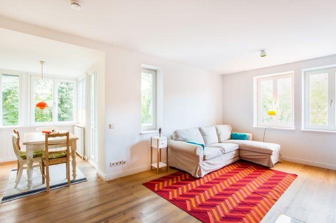 Schöne, geschmackvoll 3-Zimmer-Wohnung mit Balkon und mit Gartenbenutzung in Obermenzing teilmöbliert.