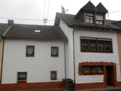VERKAUFT ! - VERKAUFT ! - Geschmackvoll renoviertes ehemaliges Bauernhaus mit rustikalem Ambiente !