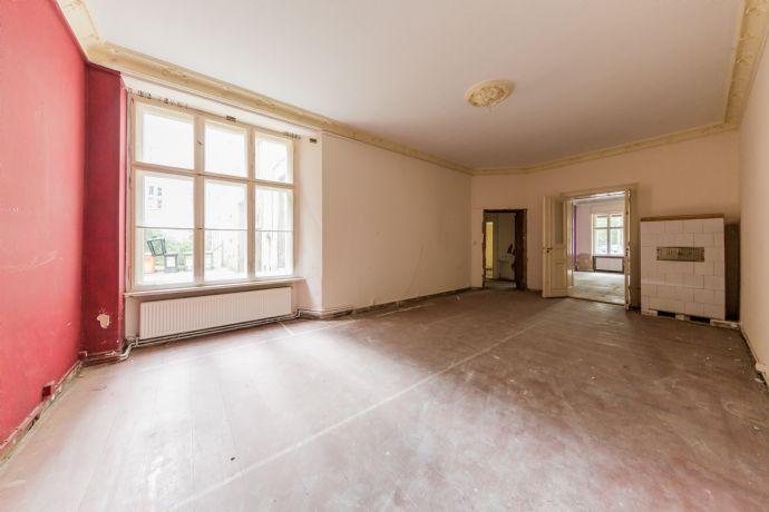 Herrschaftliche 4-Zimmer-Altbauwohnung mit einer Deckenhöhe bis zu 3,40m - provisionsfrei!