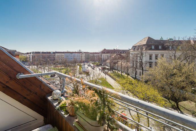 Zweistöckige Dachgeschosswohnung mit Süd-West-Terrasse (vermietet)