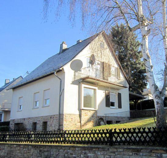 RESERVIERT ***Charmantes Einfamilienhaus auf geräumigem Grundstück in Mengerschied, zwischen Simmern und Gemünden.!***