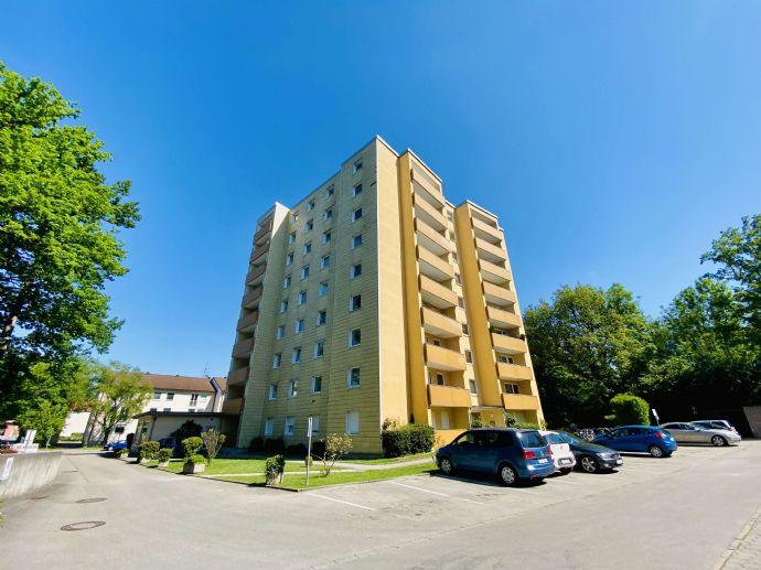 Neu renovierte 4 Zimmer Wohnung in Lohof ! WG geeignet