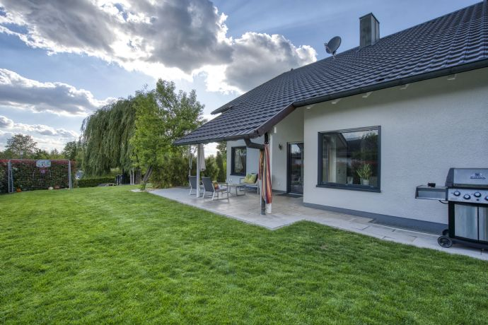 Fantastisches EFH mit herrlichem Grundstück in ruhiger Lage von Kürnach