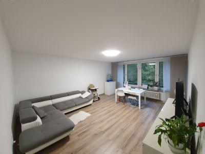Schöne 3-Zimmer-Wohnung von Privat im 2. Obergeschoss mit ca. 90 m² Wfl. und einer Garage
