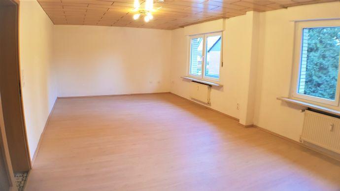 HÜRTH-Efferen provisionsfrei, Top-Lage. Hübsche Maisonette-Wohnung im 2-Familienhaus