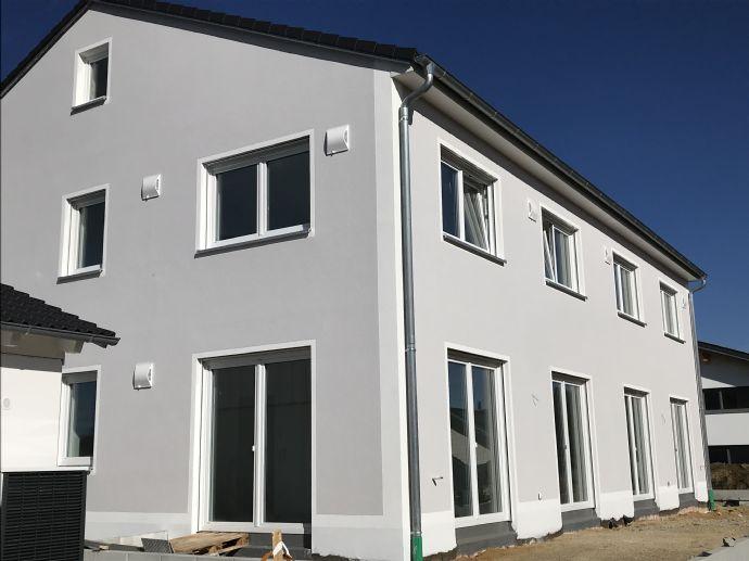 Exklusive NEUBAU-Doppelhaushälfte in Junkenhofen - Nähe S2-Petershausen zu vermieten!