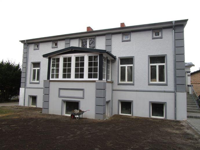 3 großzügige Wohnungen, in der Nachbarschaft des denkmalgeschützten Karl-Foerster-Gartens