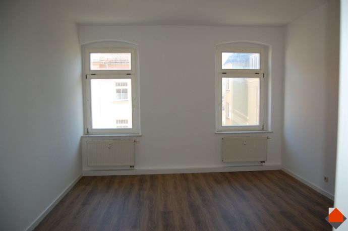 3-Raum-Wohnung, komplett neu renoviert