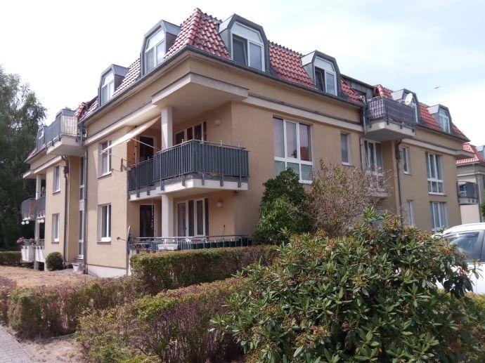 2 Raum-WE im DG mit Balkon und Blick ins Grüne