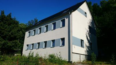 Hell, großzügig, bereits für ca. 90 T€ teilsaniertes Einfamilienhaus mit Garten
