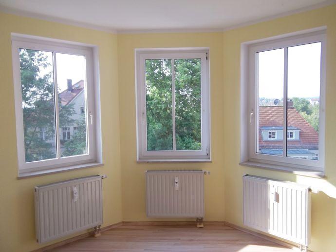 2-Raumwohnung in ruhiger Lage mit EBK & Balkon
