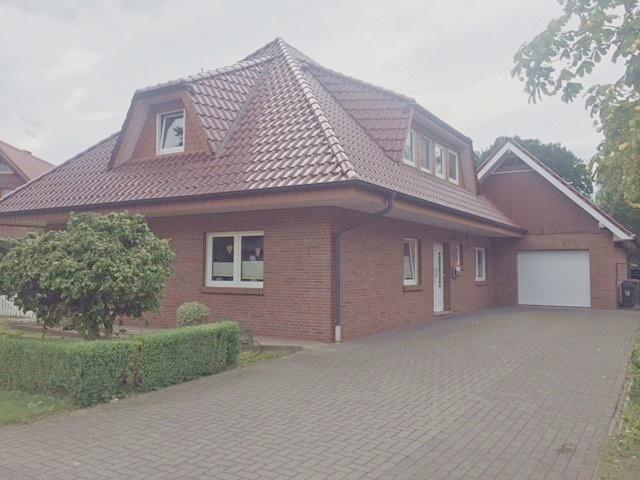Top gepflegtes Einfamilienhaus mit Doppelgarage in ruhiger Siedlungslage in Peheim