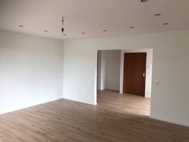 Renovierte helle 3 5 Zimmer-Wohnung