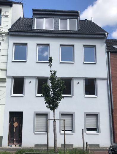 Moderne 2 Zimmer Wohnung mit Terrasse / Erstbezug nach Kernsanierung