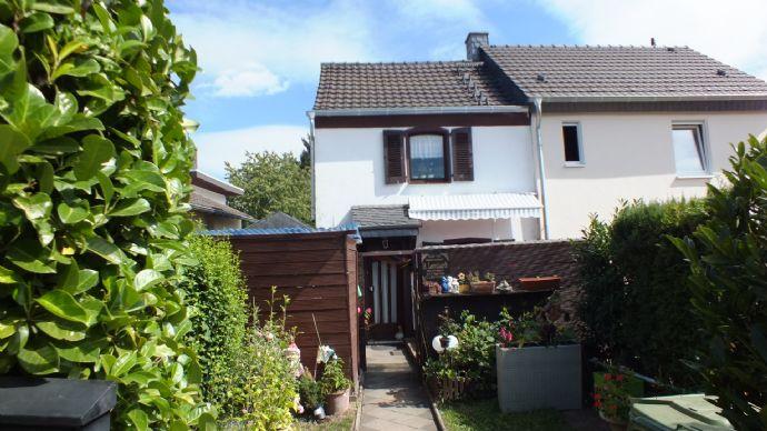 Kleines, vermietetes Eigenheim in schöner Wohnlage von Zons...