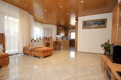 Das große Wohnzimmer im EG_04