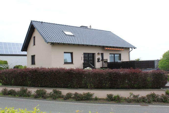 Schönes Einfamilienhaus an der Grenze zu Lux/Belg. zu verkaufen!