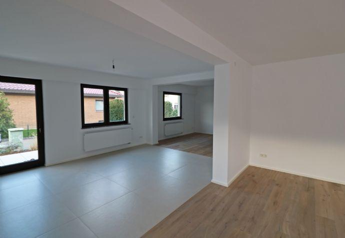 Erstbezug nach Sanierung! Großzügige 3-Zimmer-Erdgeschoss-Wohnung in ruhiger Lage von Troisdorf Be