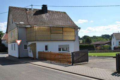 2. Eingang Anbau, Hofeinfahrt und Garten