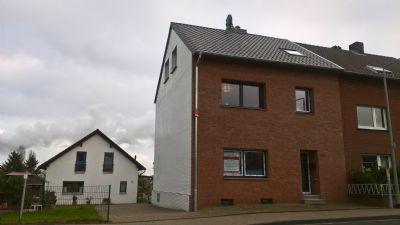 Neu renovierte 5-Zi.- Wohnung in Duisburg zu vermieten