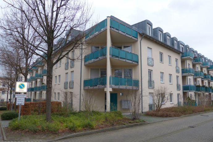 Tolle Wohnung mit vielen Möglichkeiten als Anlage mit Einbauküche und Balkon!!