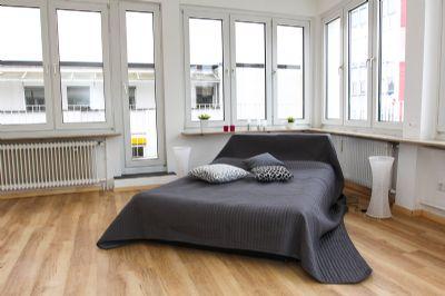 modernisierte penthaus wohnung in sehr gute lage von hanau. Black Bedroom Furniture Sets. Home Design Ideas