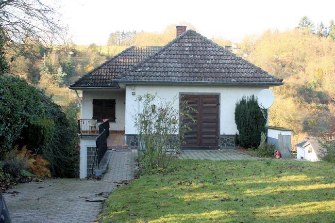 Bungalow-Wohnung mit Garten