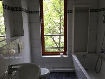 sch ne 2 zimmer wohnung f r 10 monate zu vermieten etagenwohnung berlin 25z9n4x. Black Bedroom Furniture Sets. Home Design Ideas