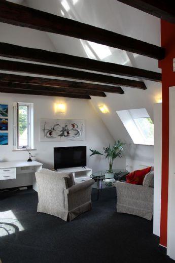Sehr schöne möblierte 2-Zimmer-Wohnung in