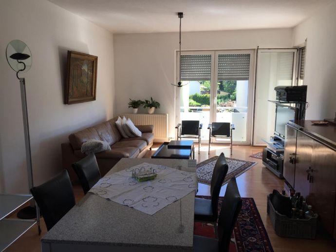 Frisch renovierte 3-Zimmer-Wohnung mit Balkon in der 1. Etage!