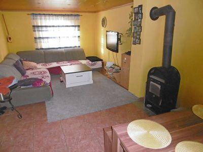 Wohnzimmer mit Kaminanschluß