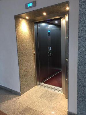ebenerdiger Fahrstuhl