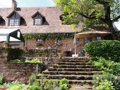 Treppe von Garten zur Terrasse