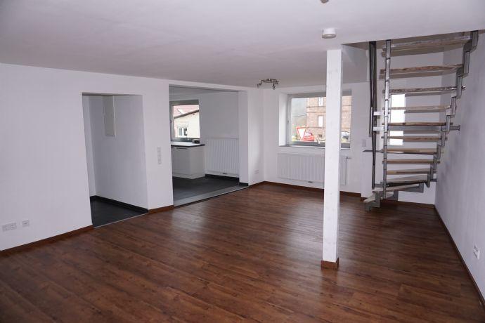 Freistehendes Haus, vier Zimmer Wohnung, ab 01.Juni.20, in Kaiserslautern (Kreis), Niedermohr