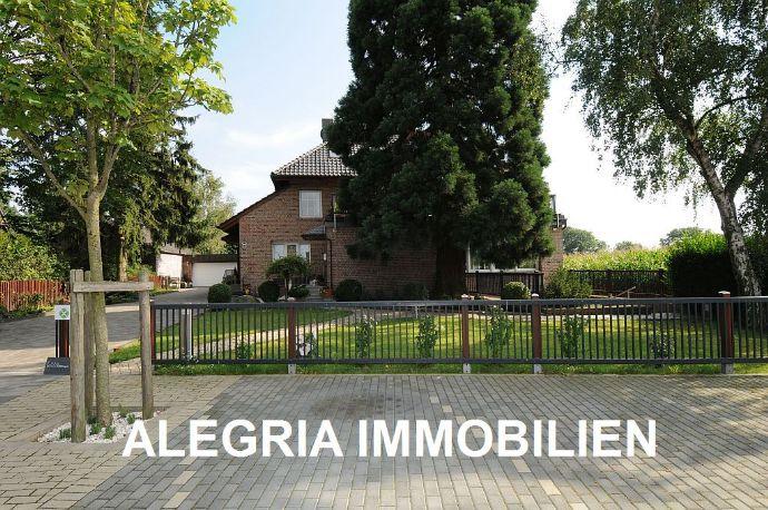***Außergewöhnliches Ein- bis Zweifamilienhaus*** in ruhiger Lage von Moers - interessante Nutzungsmöglichkeiten - Terrasse - Garten - Garage