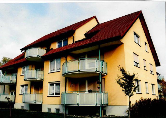 Wunderschöne 2 ZKB DG-Wohnung in 9-Familien-Haus
