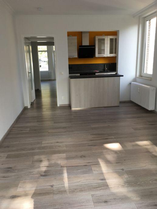 Sehr schöne 3-Zimmer-Wohnung (67 m², 1.OG) mit Balkon in Krefeld Stadtmitte