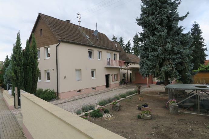 2 Familienhaus mit 2. Grundstück und Pool