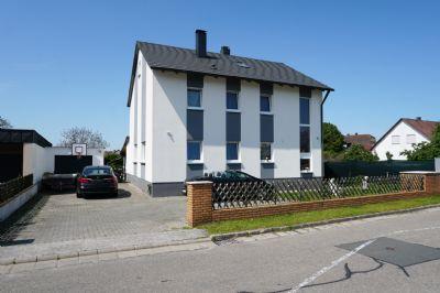 Traumhaftes 2-Familienhaus in ruhiger Lage mit Wintergarten und Terrasse