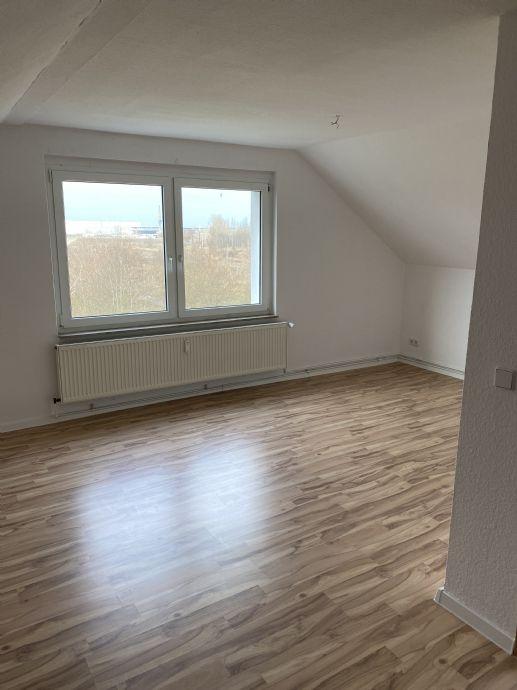 Seeland 1-Raum-Wohnung in der 3. Etage DG Wohnung