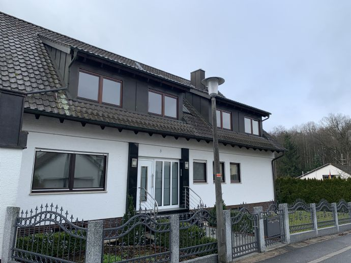 Großzügige, lichtdurchflutete renovierte 3-Zimmer-Wohnung mit Balkon und Einbauküche