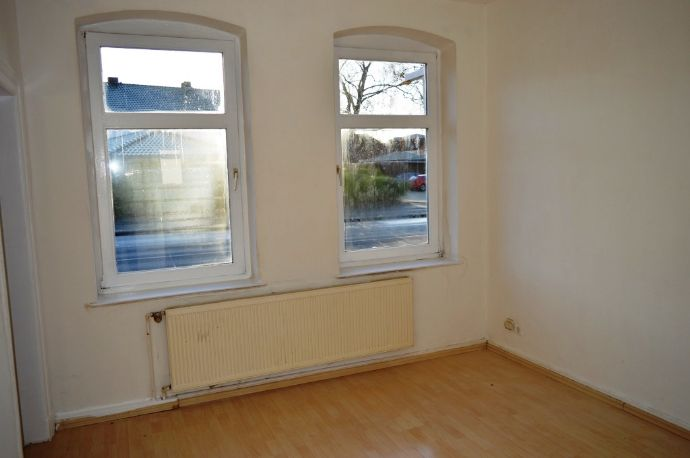 Zentral gelegene 3-Zimmer-Wohnung in Hochparterre