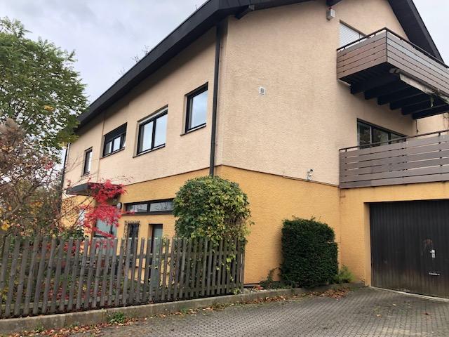 Freistehendes 2- Familienhaus mit ELW und Bürofläche auf 770m² Grundstück