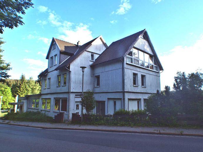 Altes Gasthaus mit 6 Wohneinheiten