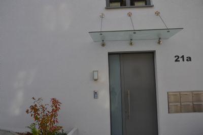 Hauseingang mit Türöffner/Kamera