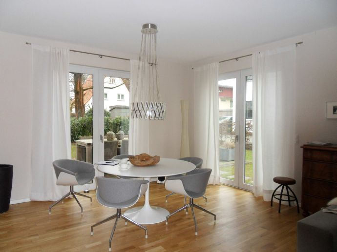 Modernes Wohnen mit Designer-Ausstattung